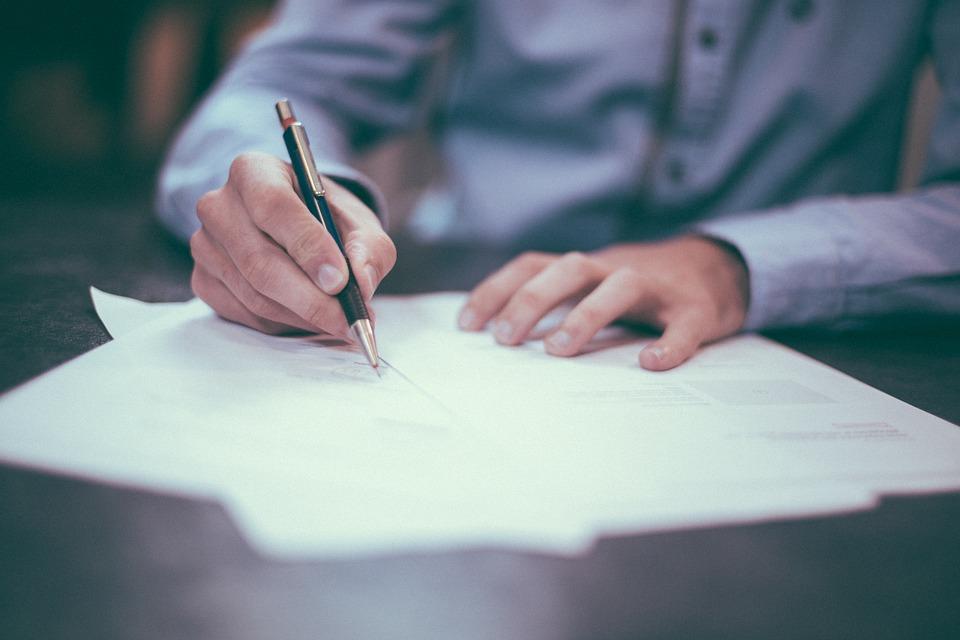 redactar carta de recomendacion familiar